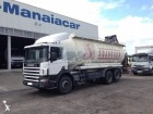 camião cisterna Scania usado