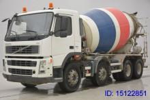 camión hormigón Volvo usado
