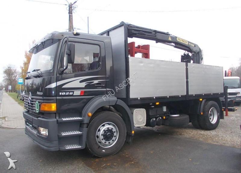 camion mercedes plateau ridelles occasion n 1673524. Black Bedroom Furniture Sets. Home Design Ideas