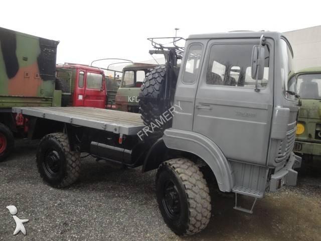 used renault trm standard flatbed truck 2000 4x4 diesel n 1676312. Black Bedroom Furniture Sets. Home Design Ideas