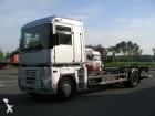 camion Renault Magnum 460.18