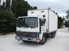 camião Volvo FL6 610