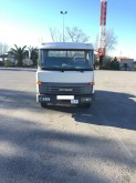camion porte containers Nissan occasion