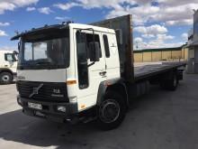 camión caja abierta portapaneles Volvo