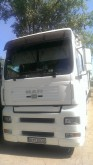 camion vehicul de tractare MAN second-hand