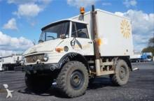 camion Unimog 406 mit Kofferaufbau, Seilwinde
