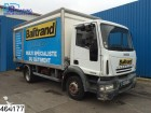 camion furgone Iveco incidentato