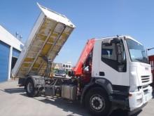 camion ribaltabile Iveco incidentato