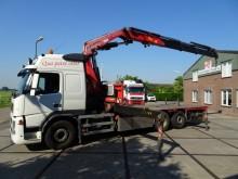 camión Volvo FM 400 6x2R / FASSI F450XP 45 TON