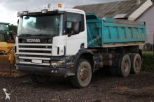 camion Scania P124c 6x6 360 3-sided tipper