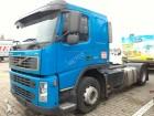 ciężarówka do transportu samochodów Volvo używana