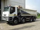 camión volquete escollera Iveco usado