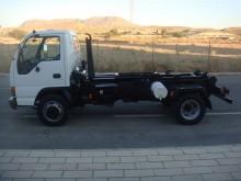 camión multivolquete Isuzu
