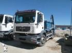 camión portacontenedores MAN usado