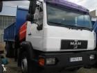 camión volquete MAN usado