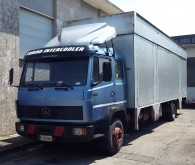 camion fourgon double étage Mercedes