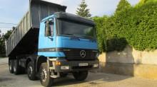 camião basculante Mercedes usado