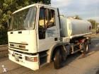 camión cisterna productos químicos Iveco usado
