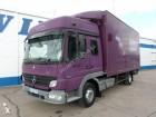camión furgón mudanza Mercedes usado