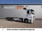 camión chasis Mercedes usado