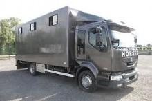 camion van à chevaux Renault