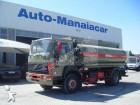 camião cisterna Volvo usado