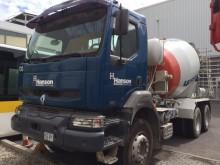 camión Renault Kerax 320.26 DCI