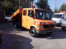 camion Mercedes 815 D Vario Doka 3-Seiten Kipper