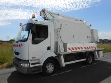 camion piattaforma aerea articolata telescopica Renault usato
