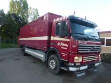 camión Volvo FM 340 full air livestock