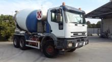 camión Iveco Eurotrakker 380E44