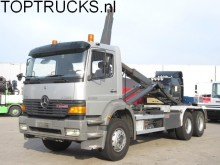 camión Mercedes Atego 2628 6X4 HOOKLIFT MANUAL SPRING STEEL