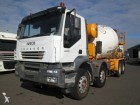 camion Iveco Trakker 440 8X4 Stetter mixer