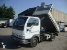 camion tri-benne Nissan occasion
