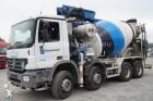 camión bomba de hormigón Mercedes usado