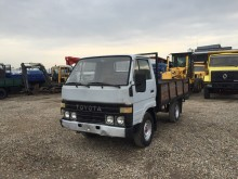 camion plateau standard Toyota occasion