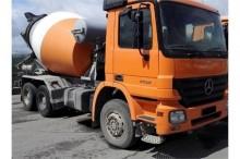 camion Liebherr 10 x mixers Mercedes Benz 3332 6X4