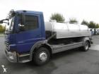 camión cisterna alimentario Mercedes usado