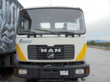 camion portacontainers MAN usato
