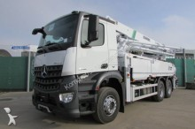 camión Mercedes Arocs 2836 6x4 BB - SCHWING 36 m