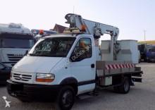 camion piattaforma aerea Renault usato