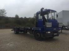 camión caja abierta transportador de hierro usado