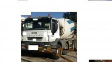 camion béton Iveco occasion