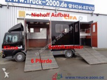 camión para ganado Mercedes usado