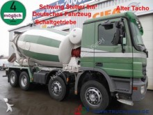 camión cisterna gránulos / polvo Mercedes usado