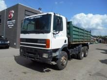 camión DAF 85 CF 380
