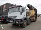 camión cisterna gránulos / polvo Iveco usado