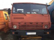camión volquete Kamaz usado