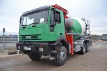 camión hormigón mezclador + bomba Iveco