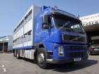 camion trasporto suini Volvo usato